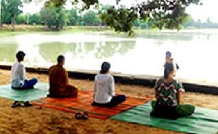 4c−ヒンドゥー教地の祈り_310.jpg